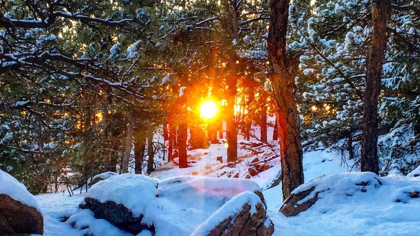 sunrise, snowy sunrise, mountain sun, glow, snow, sunshine, sun through the trees, snow on rocks, snowy trail, winter sunrise